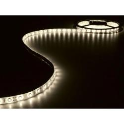 KIT MET FLEXIBELE LED STRIP EN VOEDING WARMWIT 300 LEDS 5 m 12